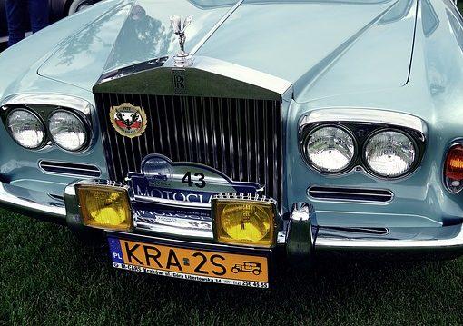 Samochód jednego z gości pensjonatu Villa Beata, oferującego noclegi w Nowym Sączu